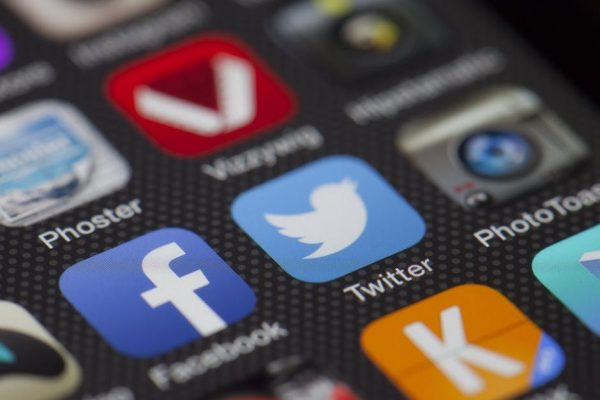6 Ways To Develop a Strong Social Media Presence
